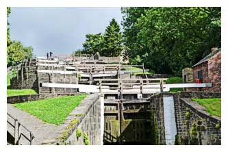 5 Rise Locks at Bingley